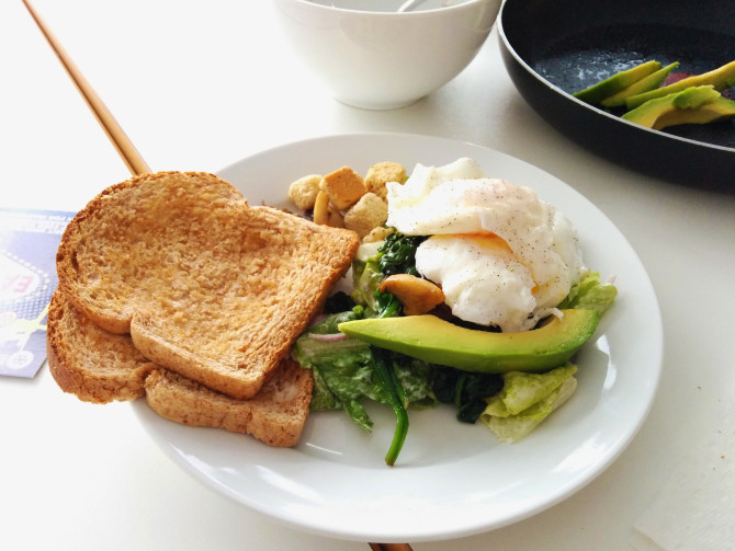 Cooking for Students Spinach, Mushroom and Garlic Poached Egg Breakfast