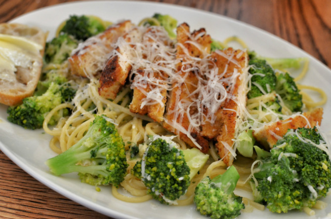 Cooking for Students Broccoli Pasta with Chicken