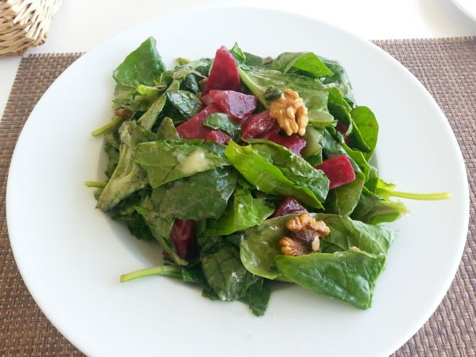 Cooking for Students Spinach and Beet Salad